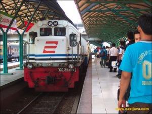 Carter Drop Sewa Mobil Travel Malang Surabaya Gubeng